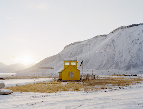 pyramiden_yellowhouse_print